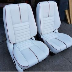 Beautiful customs seats executed perfectly by a true craftsman Custom Car Interior, Truck Interior, Aircraft Interiors, Car Interiors, Chevy Caprice Classic, 79 Ford Truck, Volkswagen, Custom Center Console, Flat Bottom Boats