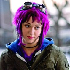 Mary Elizabeth Winstead - (Ramona Flowers in Scott Pilgrim Vs The World) Mary Elizabeth Winstead, Scott Pilgrim, Characters With Purple Hair, The Velvet Underground, Short Punk Hair, Ramona Flowers, Steampunk Goggles, Vs The World, Iggy Pop