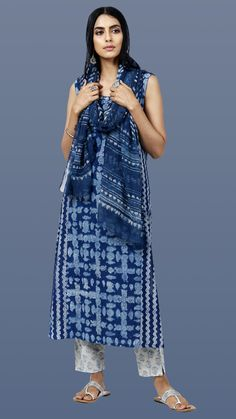 Designer Wear: Shop Designer Ethnic Wear by Farida Gupta Simple Kurti Designs, Kurta Designs Women, Indian Designer Suits, Ethnic Wear Designer, Dress Indian Style, Indian Dresses, Pakistani Outfits, Indian Outfits, Simple Indian Suits