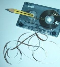 big thanks to pen and pencils, we can rewind our tapes hahahahah   Tuttu juttu 1970 - 1980 - luvuilta.