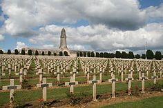 Le cimetière et l'ossuaire de Douaumont en Lorraine