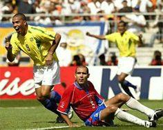 Costa Rica 2 Brazil 5 in 2002 in Suwon. Ronaldo celebrates scoring on 10 minutes in Group C #WorldCupFinals