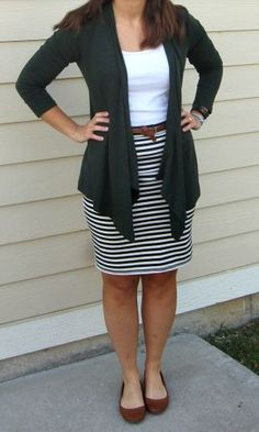 Outfit fall a journey in style: Le Tote cardi + Old Navy striped skirt Eine Reise mit Stil: Le Tote Cardi + Old Navy gestreifter Rock Business Casual Outfits, Professional Outfits, Office Outfits, Business Attire, Office Attire, Rock Dress, Work Fashion, Fashion Outfits, Style Work