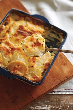 With a nice hint of garlic, these potatoes are a delicious addition to any meal and are much lighter than those with a cream-laden gratin. To slice them easily, cut a little piece off the bottom of each potato to stabilize it on the cutting board. Serve w Canadian Living Recipes, Canadian Food, Potato Dishes, Food Dishes, Side Dishes, Main Dishes, Most Popular Recipes, Favorite Recipes, Scalloped Potato Recipes