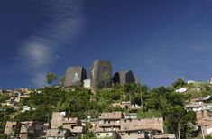 Biblioteca España en Medellín Public Library Design, Public Space Design, Modern Library, Public Libraries, Giancarlo Mazzanti, Habitat Collectif, Library Posters, Colombia Travel, Architecture Student