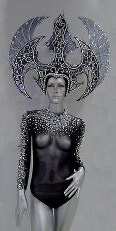 Da NeeNa Queen of War Drag Showgirl Pageant Dance Leotard Headdress Costume… Samba, Theatre Costumes, Dance Costumes, Drag Queen Costumes, Halloween Wigs, Halloween Inspo, Mardi Gras Costumes, Wig Party, Tribal Belly Dance