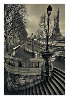 Paris Art Print. I want this in my home.