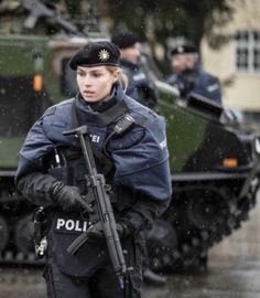 700 German And Austrian Cops Ideas In 2021 Cops Police German Police