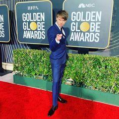 what a goofball 😍 Calum Worthy, Austin And Ally, Golden Globes, Hot Guys, Disney, Disney Art