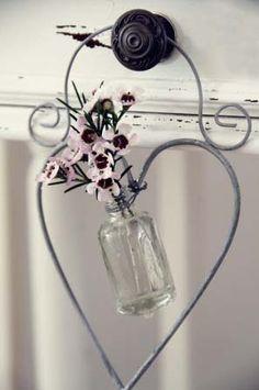 Wire heart hanger.