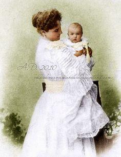 Empress Alexandra Fyodorovna Romanova of Russia with her youngest daughter Grand Duchess Anastasia Nikolaevna.