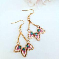 "14 mentions J'aime, 1 commentaires - Miss Plume (@missplumeatelier) sur Instagram : ""Boucles d oreilles en perles miyuki #missplume #faitmain #jewellery #miyuki #boucledoreille…"""