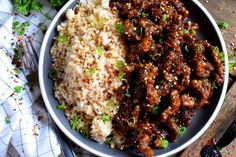 Thinly sliced beef, fried until crispy, and coated in a garlic and ginger sauce; 30 Minute Ginger Beef is an expensive dinner the whole family will love! Best Beef Recipes, Beef Recipes For Dinner, Meat Recipes, Cooking Recipes, Healthy Recipes, Game Recipes, Chili Recipes, Healthy Eats, Favorite Recipes
