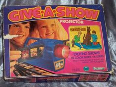 Vintage 1976 Kenner Give A Show Projector With Box & Slides