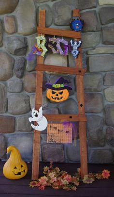 Halloween Welcome Ladder