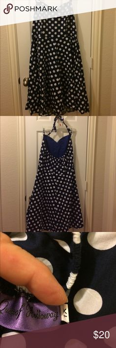 Pinup navy cotton polka dot halter dress Pinup girl style navy cotton polka dot halter dress. Knee length. Pretty and feminine! Queen of Holloway Dresses Midi