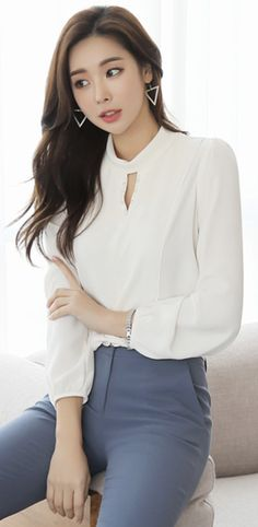 StyleOnme_Modern Keyhole Detail Blouse #ivory #chic #blouse #koreanfashion #kstyle #kfashion #springtrend #seoul #workwear #officelook