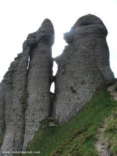 Tigaile Mari > < Hiking and caving photos Tourist Places, Mountaineering, Trekking, Backpacking, Mount Rushmore, Hiking, Adventure, Mountains, Travel
