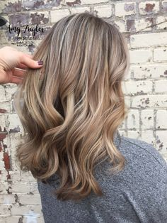 blonde hair Hair Dark Blonde Ash Make Up 52 Ideas Blond Ash, Dark Blonde Hair Color, Honey Blonde Hair, Balayage Hair Blonde, Cool Hair Color, Brunette Hair, Light Hair Colors, Level 7 Hair Color, Winter Blonde Hair