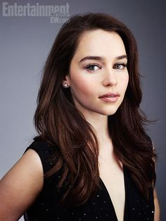 Emilia Clarke Game of Thrones. Barely recognize her without the blonde hair.