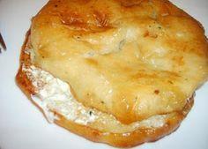 Bosanski recepti - Lepina s kajmakom    SASTOJCI:    lepine  kajmak / kiselo vrhnje  100 gr svježeg loja od junetine  malo vegete    PRIPR...