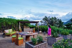 Private dining at Chili table when the sun sets behind the Elephant mountain