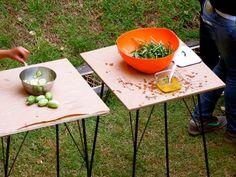 saladão de PANCs com molho de laranja, sementes de mostarda, salsinha, azeite e sal  Maxixe com laranja, azeite de oliva e sal marinho