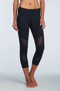 Keep it cool with the mesh detail on these fun capris! Gaviota Capri - Fabletics