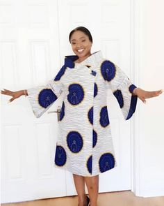 Today we present to you some alluring African ankara gowns that will give you that awesome look you need for all your outing, occasions and every other special event. These ankara dresses come in different styles and designs just to make you look good. Latest African Fashion Dresses, African Dresses For Women, African Print Fashion, Africa Fashion, African Attire, African Women, African Print Dress Designs, Ankara Gowns, African Traditional Dresses