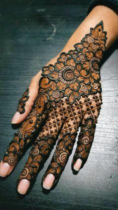 Latest Arabic Mehndi Designs, Back Hand Mehndi Designs, Modern Mehndi Designs, Henna Art Designs, Mehndi Designs For Beginners, Wedding Mehndi Designs, Mehndi Designs For Fingers, Latest Mehndi Designs, Bridal Mehndi