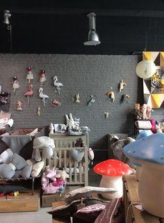 Une décoration poétique pour la chambre de bébé. Les mobiles Scalaë entièrement réalisés main. http://www.choo-design.fr