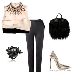 Das passarelas para a vida real! Veja post completo em www.carolinedemolin.com.br. #moda #fashion #tendencias #trend #personalstylist #personalstylistbh #consultoriademoda #consultoriadeimagem #imagem #identidade #fashionblogger #looks #lookdodia #lookoftheday #estilo #style # #loveshoes #shoes  #bags #lovebags #prints   #acessorios #marni #richards #givenchy #casadei  #mariadolores #www.carolinedemolin.com.br