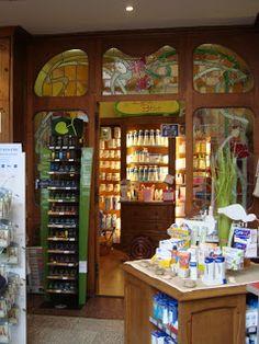 Pharmacie Lesage, Douvres-la-Délivrande, Calvados, Basse-Normandie, architecte Rouvray art nouveau