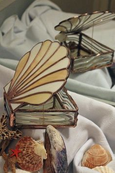 Stained glass shell lid box