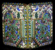 antique Russian silver-gilt and shaded cloisonne enamel cigarette case by Constantine Skvortsov, made in Moscow between 1908 and 1917.