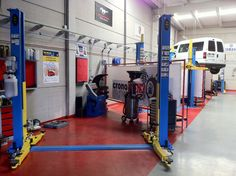 Garage Tool Storage, Garage Shed, Garage Tools, Diy Garage, Garage Plans, Mechanic Shop, Mechanic Garage, Turbo Shop, Mechanical Workshop