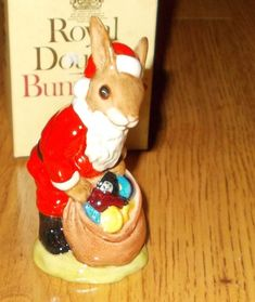 1981 Royal Doulton Happy Christmas SANTA Claus Bunny Rabbit BUNNYKINS Figurine