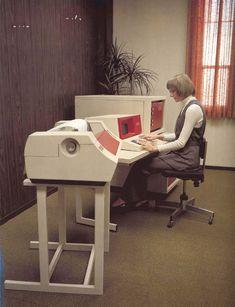 Centronics dot matrix printer in the foreground circa Retro office girls Alter Computer, Computer Love, Micro Computer, Computer Class, Retro Office, Vintage Office, The Office, Radios, Images Vintage