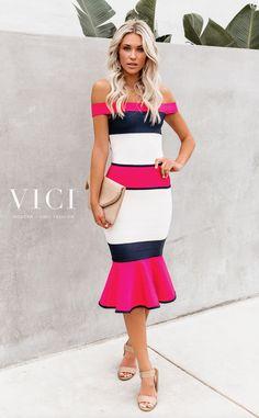 Shop our amazing collection of statement pieces, clothing, handbags & accessories. Unique Formal Dresses, Nice Dresses, A Boutique, Passion For Fashion, Dress To Impress, Spring Outfits, Spring Fashion, Calendar, Fashion Dresses