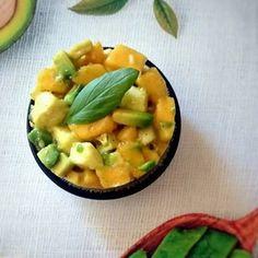 Tartare mangue, avocat, mozzarella Mozzarella, Risotto, Veggies, Ethnic Recipes, Food, Tartarus, Mango, Vegetarian Cooking, Essen