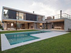 Por el Estudio Amado Cattaneo Arquitectos. Podés ver más de esta #casa y este #estudio googleando: C-0071-2-4-024. #arquitecto #arquitectos #casas #homes #architecturelovers #arquitectura #diseño #arquitectosargentinos #obra