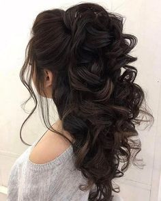 Half up half down hairstyles - partial updo wedding hairstyle is a great options for the modern bride from flowy bohemian to clean contemporary & elegant cute bridal hair styles Elegant Wedding Hair, Wedding Hair Down, Wedding Hair And Makeup, Trendy Wedding, Wedding Updo, Wedding 2017, Wedding Hair Curls, Boho Wedding, Rustic Wedding