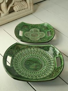 Handmade pottery platters from Looker & Bell. These would be awesome snack plates. Hand Built Pottery, Slab Pottery, Ceramic Pottery, Pottery Art, Thrown Pottery, Handmade Home, Handmade Pottery, Handmade Rugs, Oyin Handmade