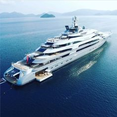 Interior & exterior photos of OCEAN VICTORY, the Fincantieri mega yacht, designed by Espen Oeino with an interior by Alberto Pinto & Laura Sessa Romboli. Super Yachts, Big Yachts, Yacht Design, Boat Design, Yachting Club, Luxury Yacht Interior, Grand Luxe, Yacht Party, Private Yacht