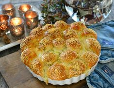 Sykt godt hvitløksbrød med ostebomber - Franciskas Vakre Verden Baking Tips, Bread Baking, Baked Goods, Cake Recipes, Good Food, Food And Drink, Tasty, Lunch, Cheese