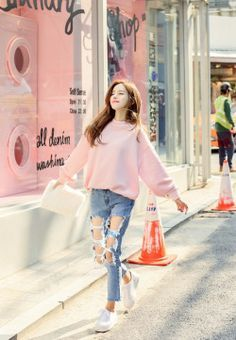 Find images and videos about fashion, style and ulzzang on We Heart It - the app to get lost in what you love. Korean Fashion Summer Casual, Korean Fashion Ulzzang, Korean Fashion Dress, Korean Fashion Casual, Korean Street Fashion, Korea Fashion, Korean Outfits, Asian Fashion, Look Fashion