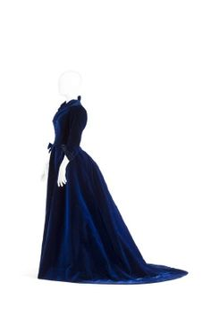 Blue velvet dress, made for Wilhelmina von Hallwyl by Nanna Bagge in 1892 and later adjusted at the studios of Augusta Lundin and Malin Krohn.