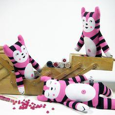 DIY- Kit Näh- Set Katze Paapii Design rosa von paulinaskleinewelt Materialshop auf DaWanda.com
