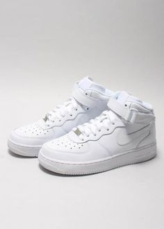 super popular 2632d 372ee NIKE AIR FORCE 1 MID