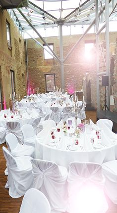Tischdekoration für Hochzeit im Jagdschloss Platte Wiesbaden mit hellen Rosé Tönen
